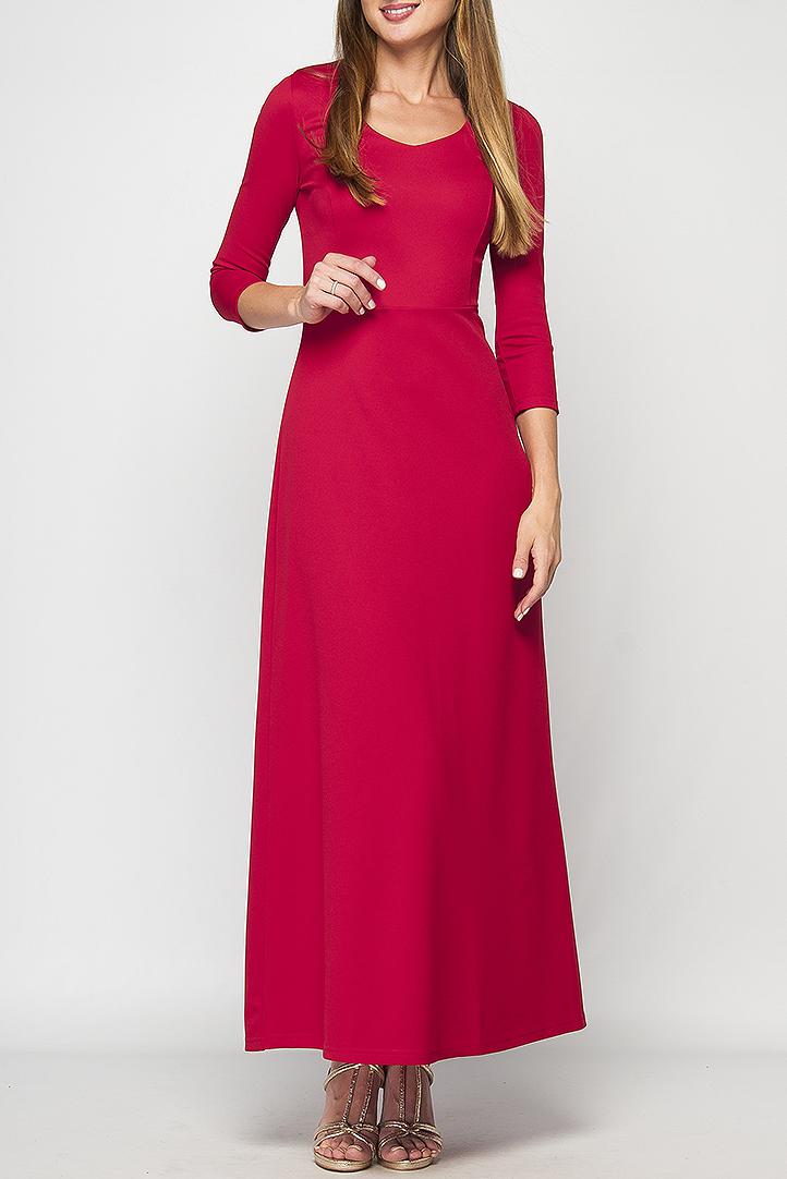 ПлатьеПлатья<br>Женское платье в пол. Модель приталенного силуэта из плотного элластичного трикотажа, имеет фигурный вырез горловины и рукав 3/4. Платье отрезное по линии талии, юбка расклешенная к низу. Это платье отлично дополнит Ваш гардероб, за счет своего простого кроя и однотонного цвета, его можно использовать в огромном количестве образов,как повседневных, так и праздничных, дополняя различными аксессуарами, также оно выгодно подчеркнет все достоинства фигуры.  Параметры изделия:  44 размер: обхват груди - 82 см, обхват талии - 68 см, длина рукава - 46 см, длина изделия - 142 см;  52 размер: обхват груди - 102 см, обхват талии - 90 см, длина рукава - 47 см, длина изделия - 144 см.  В изделии использованы цвета: красный  Рост девушки-фотомодели 175 см.<br><br>Горловина: С- горловина<br>По длине: Макси<br>По материалу: Трикотаж<br>По рисунку: Однотонные<br>По сезону: Весна,Зима,Лето,Осень,Всесезон<br>По силуэту: Полуприталенные<br>По стилю: Кэжуал,Нарядный стиль,Повседневный стиль<br>По форме: Платье - трапеция<br>Рукав: Рукав три четверти<br>Размер : 42<br>Материал: Трикотаж<br>Количество в наличии: 1