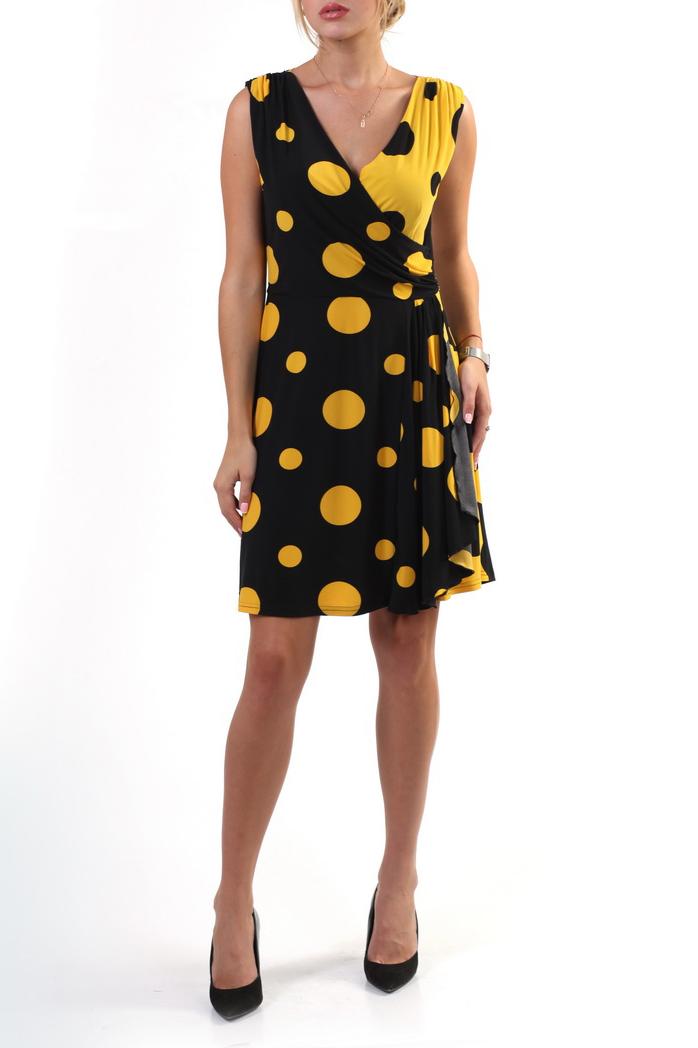 ПлатьеПлатья<br>Смелое платье в крупный горошек. Модель выполнена из приятного материала. Отличный выбор для летнего гардероба.  В изделии использованы цвета: черный, желтый  Ростовка изделия 164-170 см.<br><br>Горловина: V- горловина,Запах<br>По длине: До колена<br>По материалу: Трикотаж<br>По рисунку: В горошек,С принтом,Цветные<br>По силуэту: Приталенные<br>По стилю: Повседневный стиль<br>По форме: Платье - трапеция<br>Рукав: Без рукавов<br>По сезону: Лето<br>Размер : 48,50,52,54<br>Материал: Холодное масло<br>Количество в наличии: 8