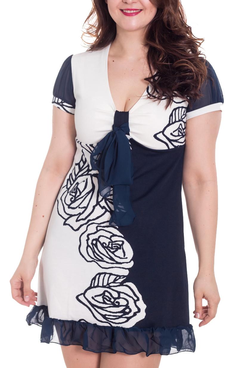 ПлатьеПлатья<br>Кокетливое платье из джерси с рукавчиками из шифона, декоративной петелькой на лифе и пышным бантиком. Раскладка принта на изделии может незначительно отличаться от картинки.  Длина около 90 см в размерах 46-48  Цвет: синий, белый  Рост девушки-фотомодели 180 см.<br><br>Горловина: V- горловина<br>По длине: До колена<br>По материалу: Вискоза,Трикотаж<br>По рисунку: Растительные мотивы,С принтом,Цветные,Цветочные<br>По силуэту: Полуприталенные<br>По стилю: Повседневный стиль<br>По форме: Платье - трапеция<br>По элементам: С воланами и рюшами,С декором<br>Рукав: Короткий рукав<br>По сезону: Осень,Весна<br>Размер : 46,48<br>Материал: Джерси + Шифон<br>Количество в наличии: 4