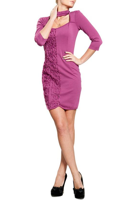 ПлатьеПлатья<br>Трикотажное платье из полотна-джерси с декоративной вышивкой - сутажем из джерси, воротником-стойкой и шнуровкой на спинке.  Рассчитано на рост 160-170 см  Цвет: розовый  Параметры изделия (обхват груди, обхват талии, обхват бедер): 46 размер:92 см, 74 см., 98 см 48 размер: 96 см, 78 см., 102 см<br><br>Воротник: Стойка<br>По длине: До колена<br>По материалу: Вискоза,Трикотаж<br>По образу: Свидание<br>По рисунку: Однотонные,Фактурный рисунок<br>По сезону: Весна,Всесезон,Зима,Лето,Осень<br>По силуэту: Приталенные<br>По стилю: Нарядный стиль,Повседневный стиль<br>По форме: Платье - футляр<br>По элементам: С вырезом,С декором<br>Рукав: Рукав три четверти<br>Горловина: Фигурная горловина<br>Размер : 46<br>Материал: Джерси<br>Количество в наличии: 3