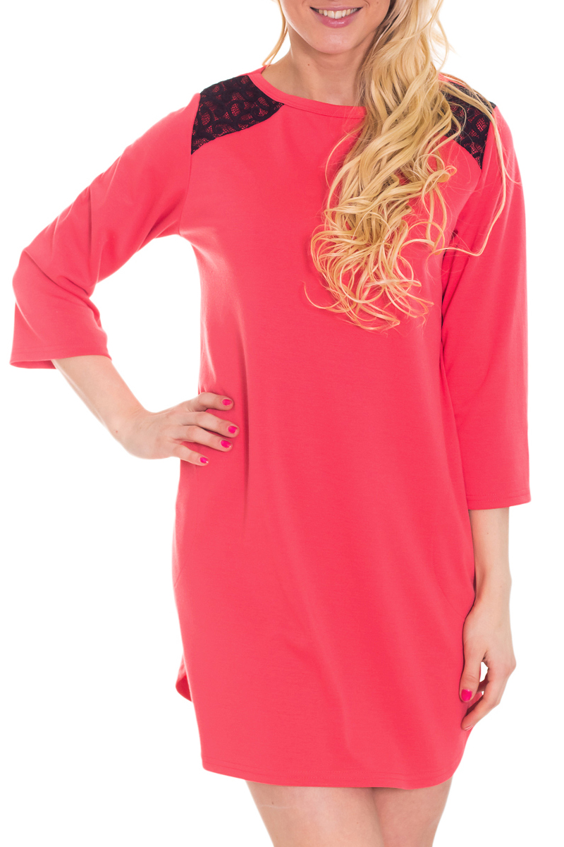 Платье-туникаТуники<br>Однотоннон платье с рукавами 3/4 и контрастным декором на плечах. Модель выполнена из приятного трикотажа. Отличный выбор для любого случая. Ростовка изделия 170-176 см.  За счет свободного кроя и эластичного материала изделие можно носить во время беременности  Цвет: коралловый, черный  Рост девушки-фотомодели 170 см<br><br>Горловина: С- горловина<br>По материалу: Трикотаж<br>По рисунку: Однотонные<br>По силуэту: Свободные<br>По стилю: Повседневный стиль<br>По элементам: С декором,С отделочной фурнитурой<br>Рукав: Рукав три четверти<br>По сезону: Осень,Весна,Зима<br>Размер : 44,46,50<br>Материал: Джерси<br>Количество в наличии: 3