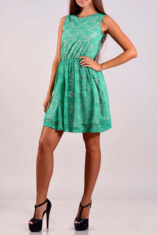 ПлатьеПлатья<br>Элегантное нарядное платье из нежного гипюра для прекрасных дам.<br><br>Горловина: С- горловина<br>По материалу: Гипюр<br>По образу: Город,Свидание<br>По рисунку: Однотонные<br>По сезону: Весна,Лето<br>По силуэту: Полуприталенные<br>По стилю: Летний стиль,Молодежный стиль,Нарядный стиль,Повседневный стиль<br>Рукав: Без рукавов<br>По элементам: С молнией,С подкладом<br>По длине: До колена<br>По форме: Платье - трапеция<br>Размер : 42<br>Материал: Гипюр<br>Количество в наличии: 1