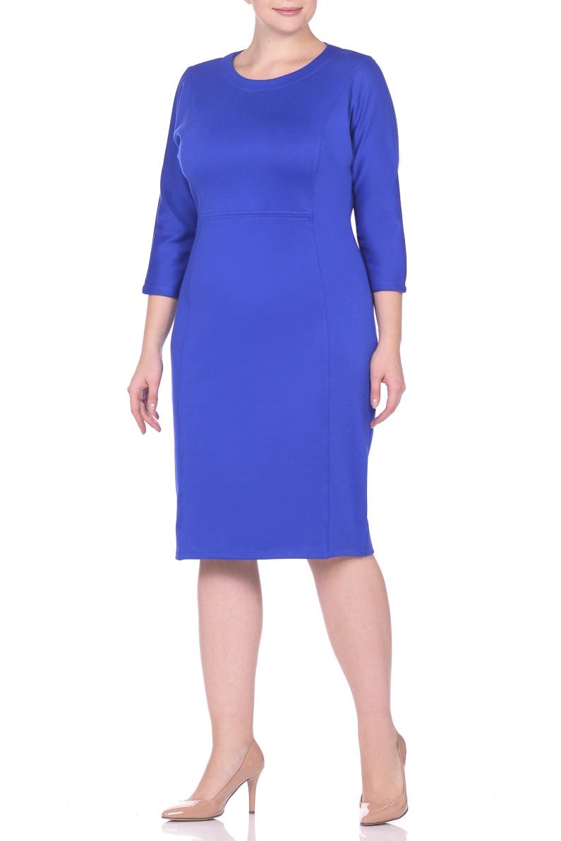 ПлатьеПлатья<br>Платье однотонное, фасона quot;летучая мышьquot;. Основным преимуществом платья является то, что оно украсит женщину с абсолютно любой фигурой. Модели платья с широким верхом в области плеч и узким по бедрам низом идут всем. Все платья такого фасона можно дополнить украшениями, особенно хорошо смотрятся длинные цепочки и ожерелья, оригинальные серьги-подвески и тонкие изящные ремешки, носить которые можно на талии или бедрах. Ткань - плотный трикотаж, характеризующийся эластичностью, растяжимостью и мягкостью.  Длина изделия по спинке 100 см.  В изделии использованы цвета: синий  Рост девушки-фотомодели 170 см.<br><br>Горловина: С- горловина<br>По длине: Ниже колена<br>По материалу: Вискоза,Трикотаж<br>По рисунку: Однотонные<br>По силуэту: Приталенные<br>По стилю: Классический стиль,Кэжуал,Офисный стиль,Повседневный стиль<br>По форме: Платье - футляр<br>Рукав: Рукав три четверти<br>По сезону: Осень,Весна,Зима<br>Размер : 50,52,54,56,60<br>Материал: Трикотаж<br>Количество в наличии: 5