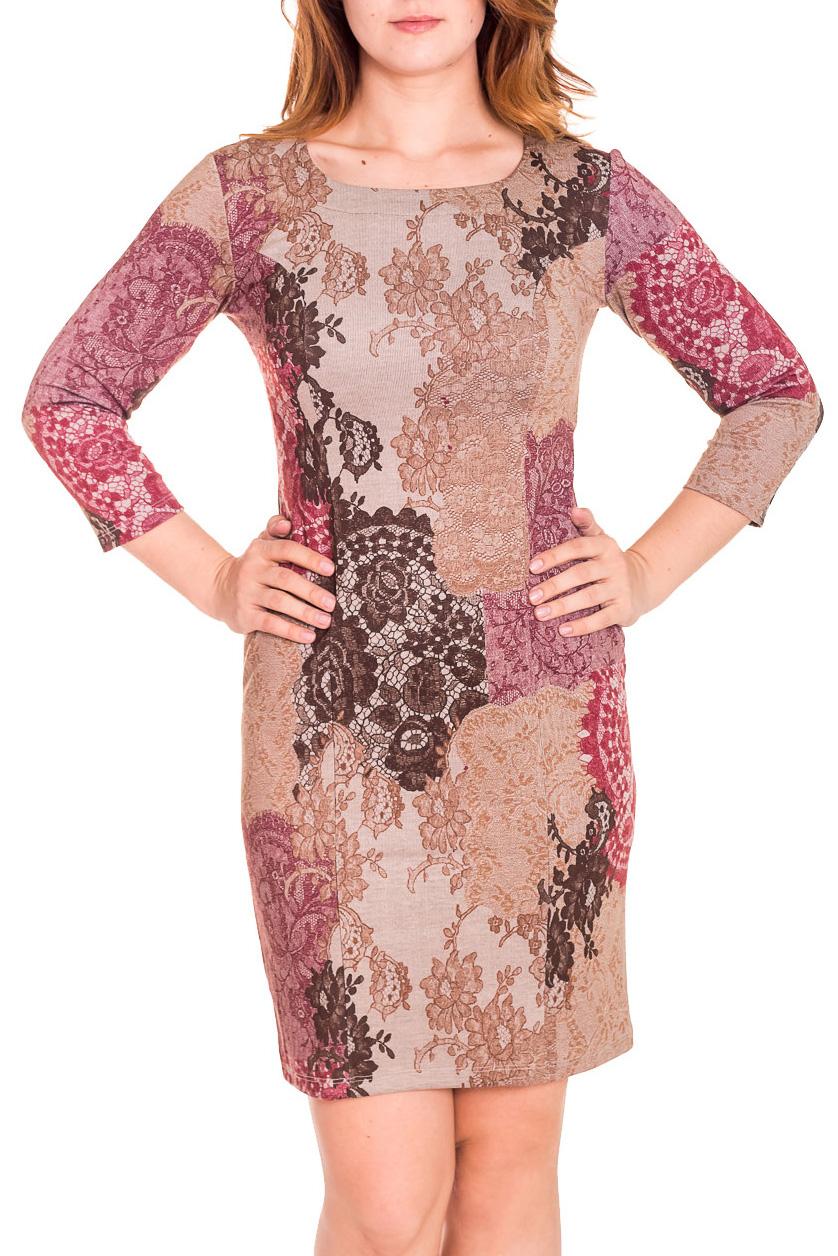 ПлатьеПлатья<br>Привлекательное женское платье с закругленной горловиной и рукавами 3/4. Модель выполнена из приятного трикотажа с абстрактным принтом. Отличный выбор для повседневного гардероба.  Цвет: бежевый, коричневый, розовый  Рост девушки-фотомодели 180 см.<br><br>Горловина: С- горловина<br>По длине: До колена<br>По материалу: Вискоза,Трикотаж<br>По рисунку: Цветные,С принтом<br>По сезону: Весна,Осень,Зима<br>По силуэту: Полуприталенные<br>По стилю: Повседневный стиль<br>По форме: Платье - футляр<br>Рукав: Рукав три четверти<br>Размер : 46,48,52<br>Материал: Трикотаж<br>Количество в наличии: 3