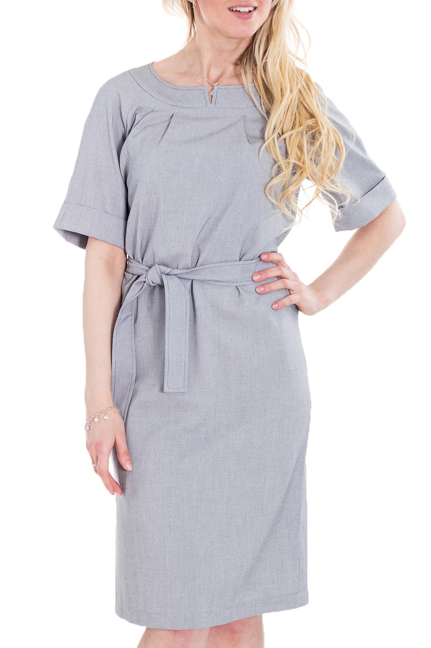 ПлатьеПлатья<br>Классика и элегантность - это залог успеха для создания Вашего повседневного образа. Дополните это стильное платье модными аксессуарами и завершите образ успешной женщины   Цвет: серый.  Рост девушки-фотомодели 170 см<br><br>Горловина: С- горловина<br>По длине: Ниже колена<br>По материалу: Тканевые<br>По рисунку: Однотонные<br>По сезону: Весна,Зима,Лето,Осень,Всесезон<br>По силуэту: Полуприталенные<br>По стилю: Классический стиль,Кэжуал,Офисный стиль,Повседневный стиль<br>По форме: Платье - футляр<br>По элементам: С декором,С разрезом<br>Разрез: Короткий<br>Рукав: До локтя<br>Размер : 46<br>Материал: Плательная ткань<br>Количество в наличии: 1