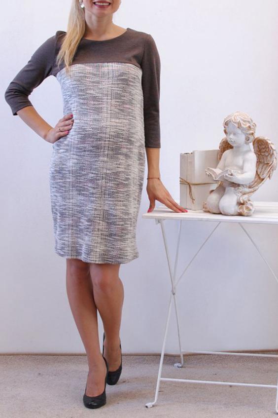 ПлатьеПлатья для будущих мам<br>Платье для будущих мам. Элегантное платье  обязательно станет самым любимым в гардеробе. Платье можно носить как до, так и во время беременности, а также после родов. Выбирайте свой обычный размер – мы учли все нормальные изменения фигуры будущей мамы  Параметры 42 размера: Длина изделия по спинке 92 см  Длина рукава 45 см  В изделии использованы цвета: серый, белый и др.  Ростовка изделия 170 см<br><br>Горловина: С- горловина<br>По длине: До колена<br>По материалу: Вискоза,Трикотаж<br>По рисунку: С принтом,Цветные<br>По силуэту: Полуприталенные<br>По стилю: Повседневный стиль<br>По форме: Платья для будущих мам<br>Рукав: Рукав три четверти<br>По сезону: Осень,Весна,Зима<br>Размер : 46,48,50,52<br>Материал: Вискоза<br>Количество в наличии: 4