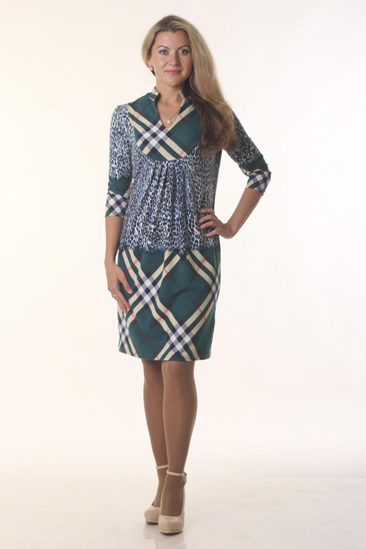 ПлатьеПлатья<br>Элегантное женское платье с интересное горловиной и рукавами 3/4. Модель выполнена из мягкого трикотажа. Отличный выбор для повседневного гардероба.  Цвет: мультицвет  Длина изделия 91 см  Длина рукава 45 см   Рост девушки-фотомодели 163 см<br><br>По длине: До колена<br>По материалу: Вискоза,Трикотаж<br>По образу: Город,Свидание<br>По рисунку: Абстракция,В полоску,Геометрия,Леопард,Цветные<br>По сезону: Весна,Осень<br>По силуэту: Полуприталенные<br>По стилю: Повседневный стиль<br>По форме: Платье - футляр<br>Рукав: Рукав три четверти<br>Горловина: Фигурная горловина<br>Размер : 44,46<br>Материал: Трикотаж<br>Количество в наличии: 2