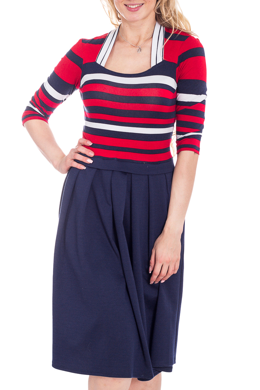 ПлатьеПлатья<br>Цветное платье с имитацией джемпера и юбки. Модель выполнена из приятного трикотажа. Отличный выбор для любого случая.  В изделии использованы цвета: синий, красный, белый  Рост девушки-фотомодели 170 см<br><br>Горловина: Фигурная горловина<br>По длине: Ниже колена<br>По материалу: Вискоза,Трикотаж<br>По рисунку: В полоску,С принтом,Цветные<br>По силуэту: Приталенные<br>По стилю: Повседневный стиль<br>По форме: Платье - трапеция<br>Рукав: Рукав три четверти<br>По сезону: Осень,Весна,Зима<br>Размер : 46,48,50,52<br>Материал: Вискоза<br>Количество в наличии: 4