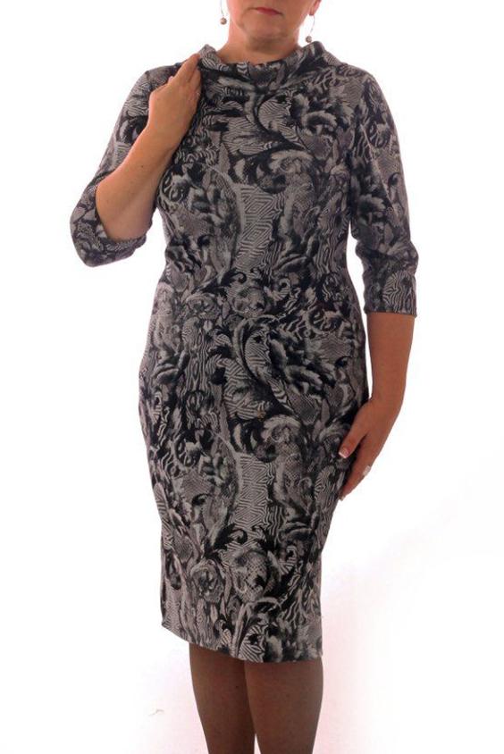 ПлатьеПлатья<br>Женское платье с отложным воротничком и рукавами 3/4. Модель выполнена из приятного трикотажа. Отличный выбор для повседневного гардероба.  Цвет: серый, черный  Рост девушки-фотомодели 164 см.<br><br>По образу: Город<br>По стилю: Повседневный стиль<br>По материалу: Вискоза,Трикотаж<br>По рисунку: Абстракция,Цветные<br>По сезону: Весна,Осень<br>По силуэту: Полуприталенные<br>По элементам: С воротником<br>По форме: Платье - футляр<br>По длине: До колена<br>Воротник: Отложной<br>Рукав: Рукав три четверти<br>Размер: 46,48,50,52<br>Материал: 65% вискоза 25% полиэстер 10% эластан<br>Количество в наличии: 7