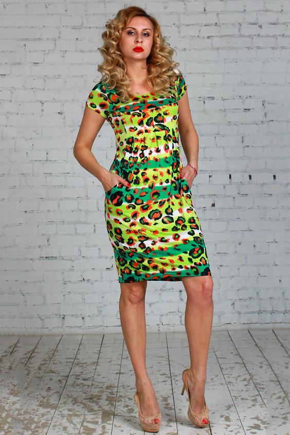 ПлатьеПлатья<br>Платье из легкого струящегося трикотажного полотна свободного силуэта  со складками от линии груди к талии, рукав - втачной, до локтя, карманы в рельефных швах.  Длина платья от 97 см до 103 см , в зависимости от размера.  Цвет: салатовый, зеленый, оранжевый и др.  Рост девушки-фотомодели 175 см<br><br>Горловина: С- горловина<br>По длине: До колена<br>По материалу: Вискоза,Трикотаж<br>По рисунку: Животные мотивы,Леопард,С принтом,Цветные<br>По силуэту: Полуприталенные<br>По стилю: Повседневный стиль,Летний стиль<br>По элементам: С карманами<br>Рукав: Короткий рукав<br>По сезону: Лето<br>Размер : 46,48<br>Материал: Холодное масло<br>Количество в наличии: 2
