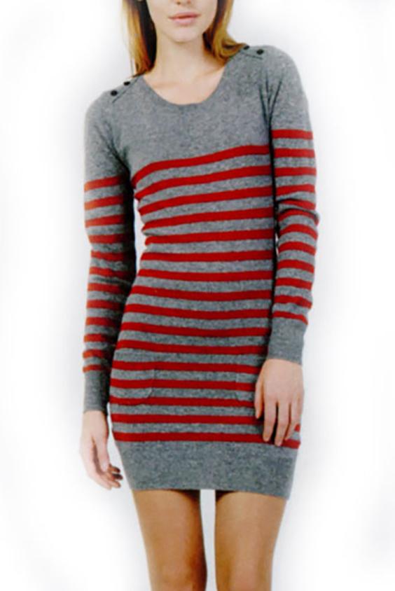 ПлатьеПлатья<br>Женское платье с длинными рукавами. Модель выполнена из вязаного трикотажа. Вязаный трикотаж - это красота, тепло и комфорт. В вязаных вещах очень легко оставаться женственной и в то же время не замёрзнуть.  Цвет: серый, красный<br><br>Горловина: С- горловина<br>По длине: До колена<br>По материалу: Вязаные,Трикотаж<br>По рисунку: В полоску,Цветные<br>По сезону: Зима<br>По силуэту: Полуприталенные<br>По стилю: Повседневный стиль<br>Рукав: Длинный рукав<br>Размер : 42,46<br>Материал: Вязаное полотно<br>Количество в наличии: 5