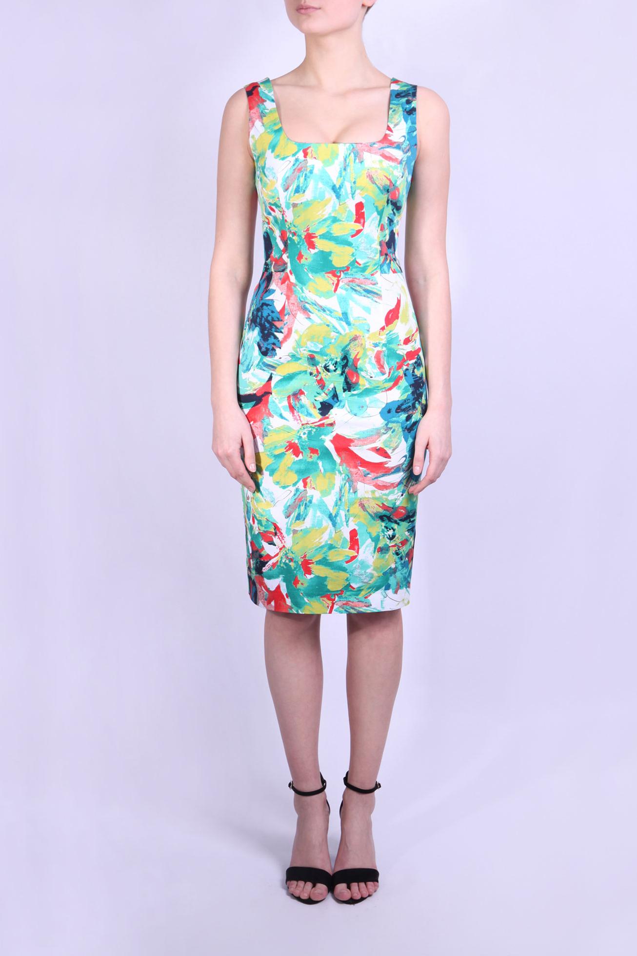 ПлатьеПлатья<br>Платье летнее без рукавов длиной до колен.  Яркий, красочный, привлекательный принт создает впечатление свежести и молодости.  Параметры размеров: Обхват груди размер 42 - 84 см, размер 44 - 88 см, размер 46 - 92 см, размер 48 - 96 см, размер 50 - 100 см Обхват талии размер 42 - 64 см, размер 44 - 68 см, размер 46 - 72 см, размер 48 - 76 см, размер 50 - 80 см Обхват бедер размер 42 - 92 см, размер 44 - 96 см, размер 46 - 100 см, размер 48 - 104 см, размер 50 - 108 см  В изделии использованы цвета: белый, зеленый, голубой и др.  Ростовка изделия 170 см.<br><br>Горловина: Квадратная горловина<br>По длине: До колена<br>По материалу: Хлопок<br>По рисунку: С принтом,Цветные<br>По силуэту: Приталенные<br>По стилю: Повседневный стиль,Летний стиль<br>По форме: Платье - футляр<br>По элементам: С разрезом<br>Разрез: Шлица<br>Рукав: Без рукавов<br>По сезону: Лето<br>Размер : 42,46,48,50<br>Материал: Хлопок<br>Количество в наличии: 6