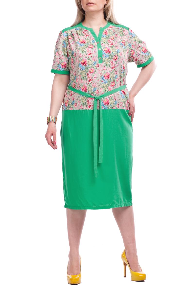 ПлатьеПлатья<br>Летнее платье с короткими рукавами. Модель выполнена из натурального хлопка. Отличный выбор для повседневного гардероба.  Цвет: зеленый, бежевый, розовый, голубой  Рост девушки-фотомодели 173 см.<br><br>Горловина: V- горловина<br>По длине: Ниже колена<br>По материалу: Хлопок<br>По рисунку: Растительные мотивы,С принтом,Цветные,Цветочные<br>По силуэту: Полуприталенные<br>По стилю: Повседневный стиль,Летний стиль<br>Рукав: До локтя<br>По сезону: Лето<br>Размер : 52,54,56,62,66,70<br>Материал: Хлопок<br>Количество в наличии: 6