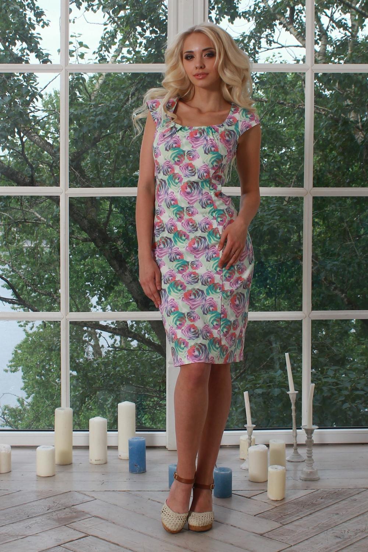 ПлатьеПлатья<br>Платье из плотной вискозы прилегающего силуэта с молнией в боковом шве. Рукав - крыло,горловина оформлена встречными складками,полочка и спинка с рельефами, по низу спинки - разрез (20 см).   Длина изделия от 99 см до 103 см , в зависимости от размера.   Модель обтягивающего кроя идеально подчеркнет вашу фигуру, а яркий цветочный принт - индивидуальный стиль Будьте готовы к тому, что на вас непременно будут обращать внимание  Рост девушки-фотомодели 175 см  В изделии использованы цвета: белый, розовый и др.<br><br>Горловина: Квадратная горловина<br>По длине: До колена<br>По материалу: Вискоза,Тканевые<br>По образу: Город,Круиз,Свидание<br>По рисунку: Растительные мотивы,С принтом,Цветные,Цветочные<br>По силуэту: Полуприталенные,Приталенные<br>По стилю: Летний стиль,Повседневный стиль,Романтический стиль<br>По форме: Платье - карандаш<br>По элементам: С декором,С молнией,С разрезом,Со складками<br>Рукав: Короткий рукав<br>По сезону: Лето<br>Размер : 46,50<br>Материал: Плательная ткань<br>Количество в наличии: 2