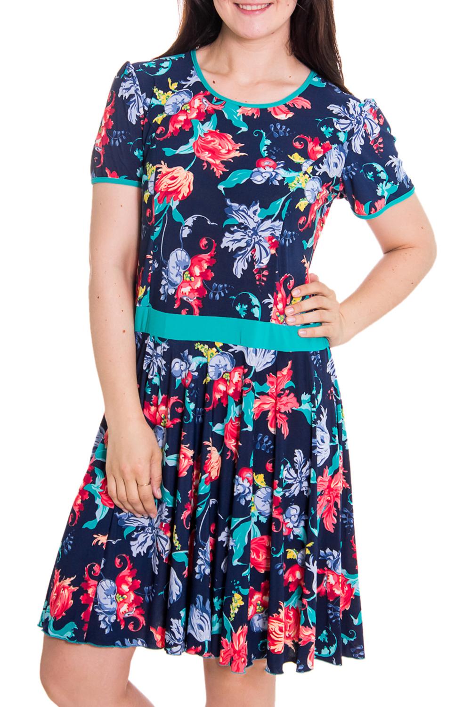 ПлатьеПлатья<br>Женское платье с круглой горловиной и коротким рукавом. Модель полуприталенного силуэта из приятного трикотажа с цветочным принтом. Отличный вариант для повседневного гардероба.   Цвет: синий, красный, голубой  Рост девушки-фотомодели 180 см<br><br>Горловина: С- горловина<br>По материалу: Вискоза,Трикотаж<br>По рисунку: Растительные мотивы,Цветные,Цветочные,С принтом<br>По сезону: Лето,Весна,Осень<br>По силуэту: Полуприталенные<br>По стилю: Повседневный стиль,Летний стиль<br>Рукав: Короткий рукав<br>По длине: До колена<br>По форме: Платье - трапеция<br>Размер : 50<br>Материал: Холодное масло<br>Количество в наличии: 1