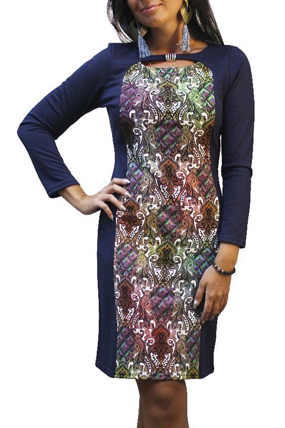 ПлатьеПлатья<br>Прекрасное женское платье с декоративным вырезом и рукавами 7/8. Модель выполнена из приятного трикотажа. Отличный выбор для повседневного гарднроба.  Цвет: синий, мультицвет  Рост девушки-фотомодели 167 см.<br><br>Горловина: С- горловина<br>По длине: До колена<br>По материалу: Вискоза,Трикотаж<br>По рисунку: Абстракция,Цветные,С принтом<br>По сезону: Весна,Осень,Зима<br>По силуэту: Полуприталенные<br>По стилю: Повседневный стиль<br>По элементам: С декором,С отделочной фурнитурой<br>Рукав: Длинный рукав<br>По форме: Платье - футляр<br>Размер : 48,50,52,56,58<br>Материал: Джерси<br>Количество в наличии: 11