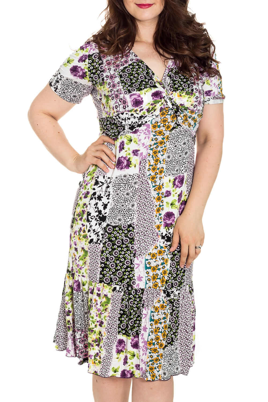 ПлатьеПлатья<br>Цветное платье с V-образной горловиной и короткими рукавами. Модель выполнена из мягкой вискозы. Отличный выбор для повседневного гардероба.  Цвет: белый, мультицвет  Рост девушки-фотомодели 180 см<br><br>Горловина: V- горловина,Запах<br>По материалу: Вискоза<br>По рисунку: Растительные мотивы,Цветные,Цветочные<br>По силуэту: Полуприталенные<br>Рукав: Короткий рукав<br>По сезону: Лето,Всесезон<br>Размер : 50,58<br>Материал: Вискоза<br>Количество в наличии: 2