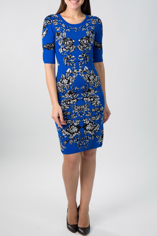 ПлатьеПлатья<br>Великолепное платье с круглой горловиной и рукавами до локтя. Модель выполнена из приятного трикотажа. Отличный выбор для повседневного гардероба.  Цвет: синий, черный, белый  Рост девушки-фотомодели 170 см.<br><br>Горловина: С- горловина<br>По длине: До колена<br>По материалу: Вискоза,Трикотаж<br>По образу: Город,Свидание<br>По рисунку: Растительные мотивы,Цветные,Цветочные,С принтом<br>По сезону: Весна,Осень<br>По силуэту: Приталенные<br>По стилю: Повседневный стиль<br>По форме: Платье - футляр<br>Рукав: До локтя<br>Размер : 46<br>Материал: Трикотаж<br>Количество в наличии: 1
