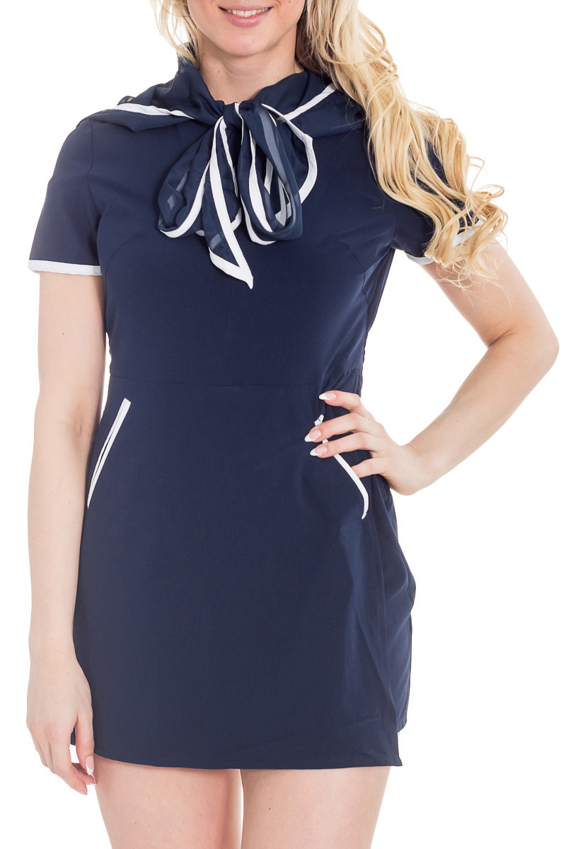 ПлатьеПлатья<br>Легкое синее платье с белой отделкой, юбкой-шортами и юбкой-запахом, внутренними карманами, кулиской на спине и капюшоном никого не оставит равнодушной. Оно изящно и удобно, отличный вариант для работы и отдыха. Сочетание синего и белого дает намек на морскую тематику, и капюшон, лежащий на спине как воротник, поддерживает эту тему. Это платье для любительниц морской романтики.  Цвет: синий, белый  Рост девушки-фотомодели 170 см.<br><br>Воротник: Фантазийный<br>По длине: Мини<br>По материалу: Шифон<br>По силуэту: Полуприталенные<br>По стилю: Повседневный стиль<br>По форме: Платье - футляр<br>Рукав: Короткий рукав<br>По сезону: Лето<br>Размер : 46<br>Материал: Шифон<br>Количество в наличии: 1