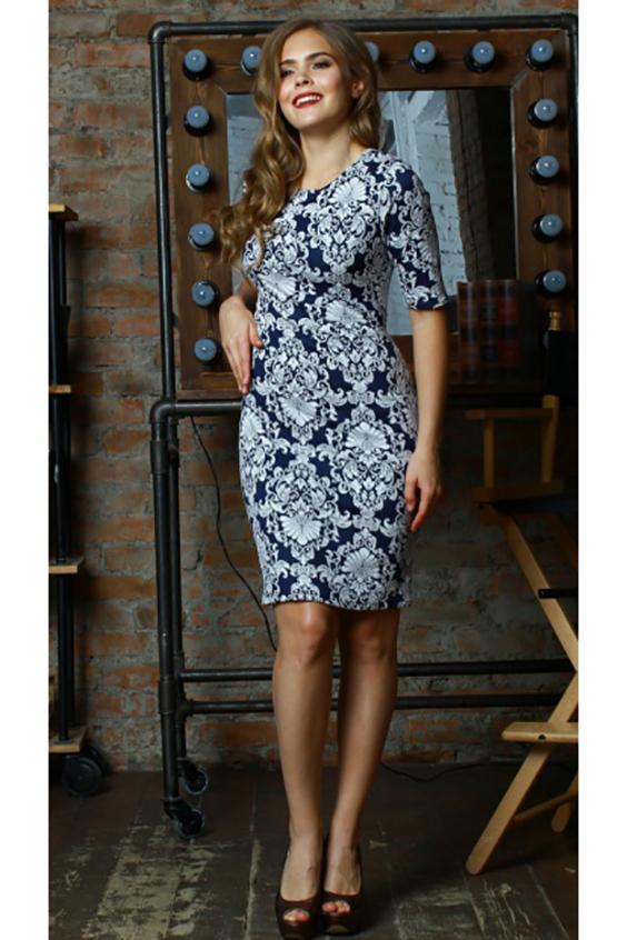 ПлатьеПлатья<br>Платье приталенного силуэта из полушерстяного трикотажного полотна, рукав втачной, до локтя. Модель облегающего силуэта с оригинальной отделкой - цветочными вензелями в сине-белых тонах. Элегантное платье станет идеальным выбором для похода в театр, офиса и на каждый день  Длина изделия от 95 см до 101 см, в зависимости от размера.  В изделии использованы цвета: синий, белый  Ростовка изделия 170 см.<br><br>Горловина: С- горловина<br>По длине: До колена<br>По материалу: Трикотаж<br>По рисунку: С принтом,Цветные<br>По силуэту: Приталенные<br>По стилю: Повседневный стиль<br>По форме: Платье - футляр<br>Рукав: До локтя<br>По сезону: Осень,Весна,Зима<br>Размер : 46,48,52<br>Материал: Трикотаж<br>Количество в наличии: 3