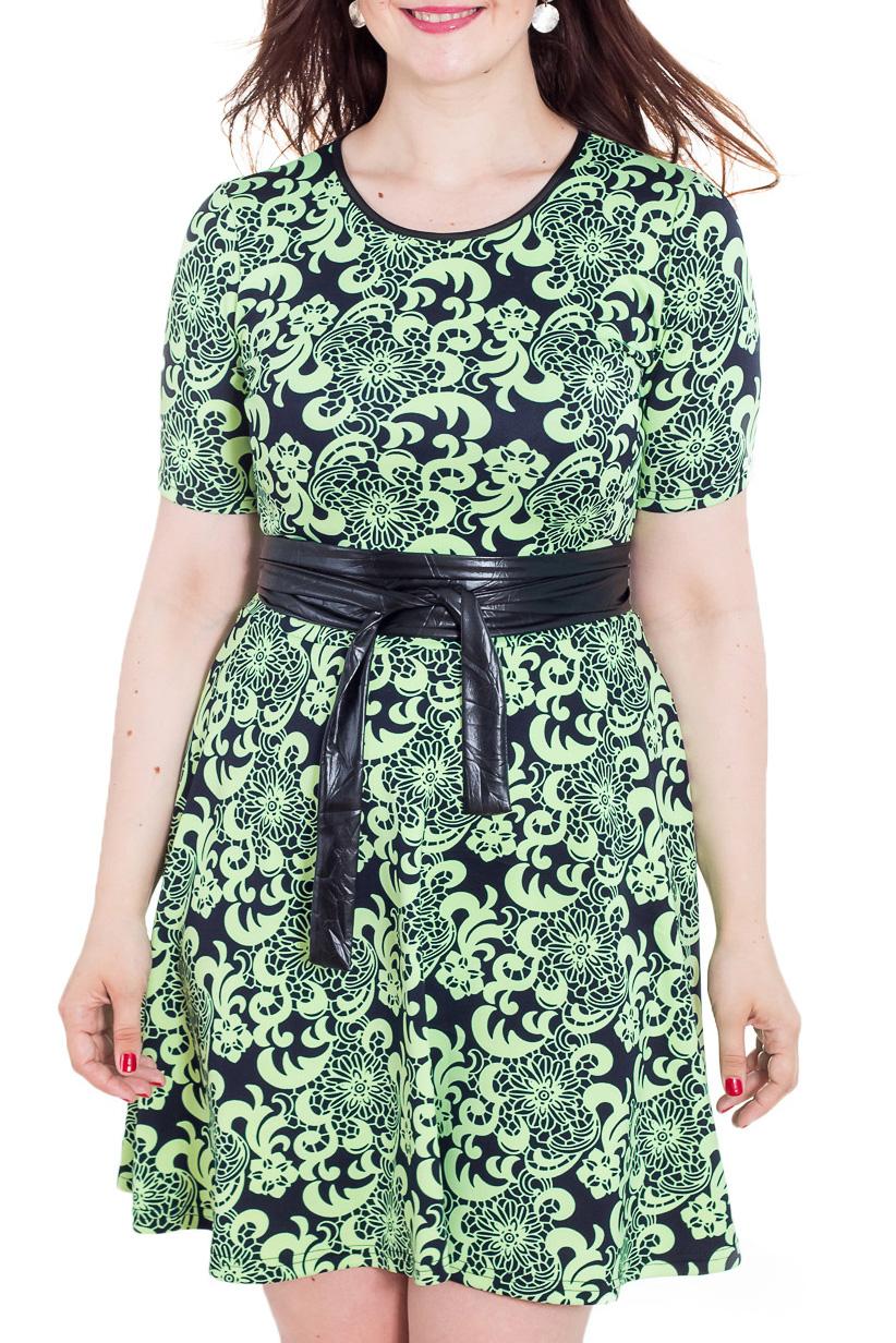 ПлатьеПлатья<br>Прекрасное женское платье с кругой горловиной и короткими рукавами. Модель выполнена из плотного трикотажа. Отличный выбор для повседневного гардероба. Платье без пояса.  Цвет: зеленый, черный  Рост девушки-фотомодели 180 см<br><br>Горловина: С- горловина<br>По длине: До колена<br>По материалу: Вискоза,Трикотаж<br>По рисунку: Абстракция,Цветные,С принтом,Этнические<br>По сезону: Весна,Осень<br>По силуэту: Полуприталенные,Приталенные<br>По стилю: Повседневный стиль<br>Рукав: Короткий рукав<br>По форме: Платье - трапеция<br>Размер : 50,52<br>Материал: Джерси<br>Количество в наличии: 2