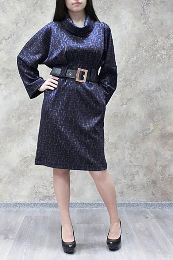 ПлатьеПлатья<br>Красивое платье свободного силуэта. Модель выполнена из плотного трикотажа. Отличный выбор для повседневного гардероба. Платье дополнено поясом.  Цвет: синий, бежевый  Ростовка изделия 170 см.<br><br>Воротник: Хомут<br>По длине: Ниже колена<br>По материалу: Трикотаж<br>По рисунку: Абстракция,Цветные,С принтом<br>По стилю: Повседневный стиль<br>По форме: Платье - футляр<br>Рукав: Длинный рукав<br>По сезону: Зима,Осень<br>По силуэту: Полуприталенные<br>Размер : 44,46,48,50,52,54,56,58<br>Материал: Джерси<br>Количество в наличии: 21