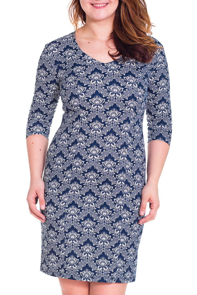 ПлатьеПлатья<br>Великолепное платье приталенного силуэта с рукавами 3/4. Модель выполнена из плотного материала. Отличный выбор для любого случая.  Цвет: синий, белый  Рост девушки-фотомодели 180 см<br><br>Горловина: V- горловина<br>По длине: До колена<br>По материалу: Хлопок<br>По рисунку: Абстракция,Цветные<br>По сезону: Весна,Осень<br>По силуэту: Полуприталенные<br>По стилю: Повседневный стиль<br>По форме: Платье - футляр<br>Рукав: Рукав три четверти<br>Размер : 48,50,52<br>Материал: Хлопок<br>Количество в наличии: 5