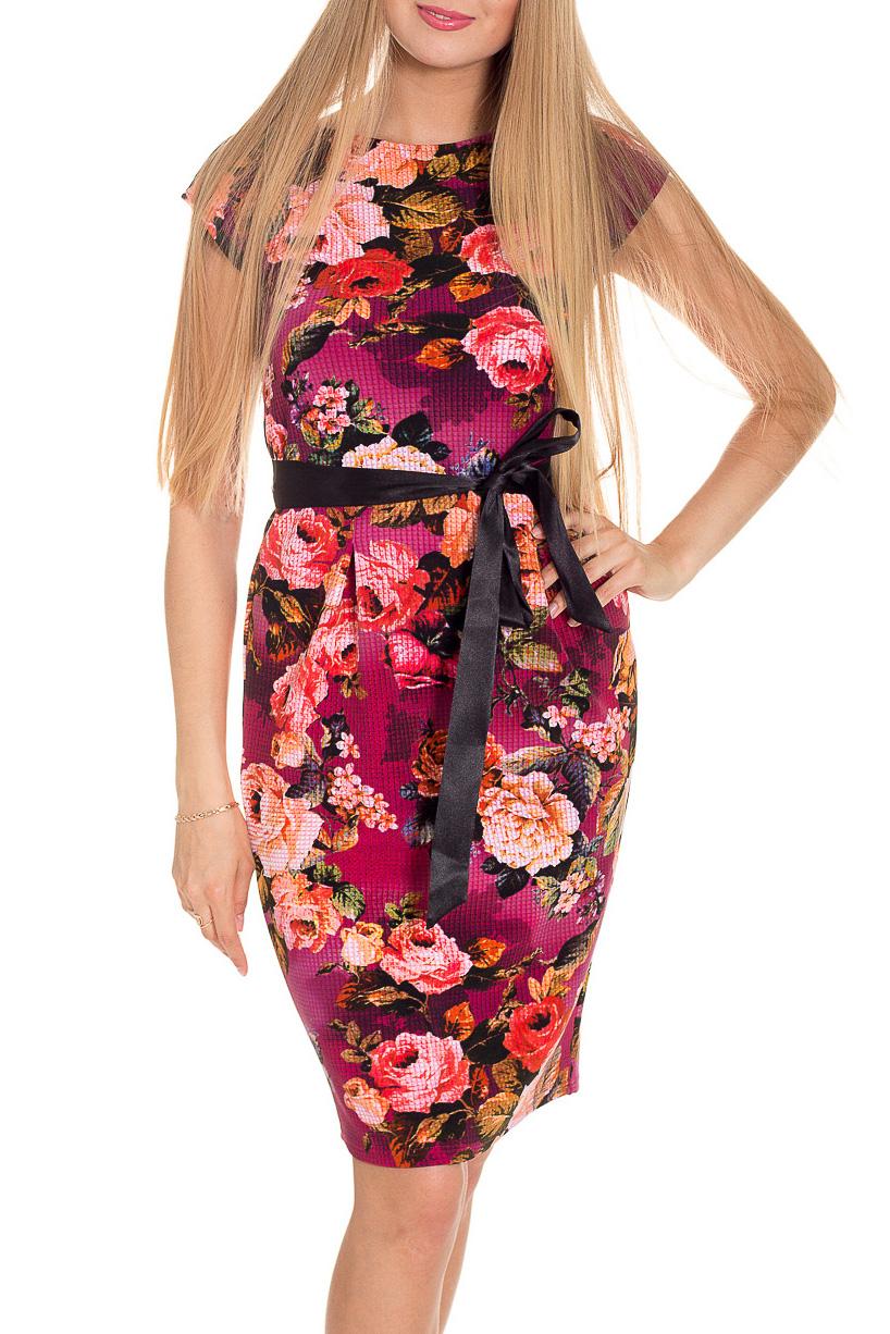 ПлатьеПлатья<br>Цветное платье с короткими рукавами. Модель выполнена из приятного материала. Отличный выбор для повседневного гардероба. Платье без пояса.  В изделии использованы цвета: малиновый, розовый, коралловый, зеленый белый и др.  Рост девушки-фотомодели 170 см.<br><br>Горловина: С- горловина<br>По длине: До колена<br>По материалу: Трикотаж<br>По образу: Город,Свидание<br>По рисунку: Бабочки,Растительные мотивы,С принтом,Цветные,Цветочные<br>По силуэту: Приталенные<br>По стилю: Повседневный стиль<br>По форме: Платье - футляр<br>Рукав: Короткий рукав<br>По сезону: Лето<br>Размер : 42,44<br>Материал: Трикотаж<br>Количество в наличии: 2