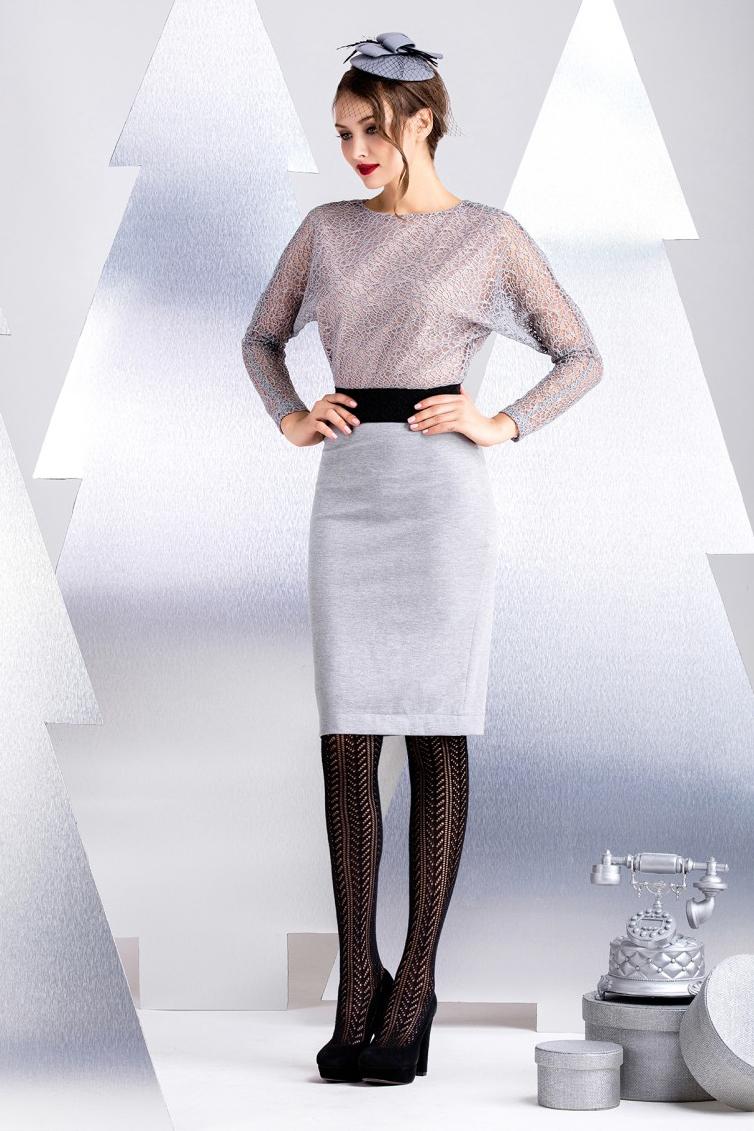 ПлатьеПлатья<br>Платье ультра-модного силуэта выполнено из двух видов тканей. Верх выполнен из двухслойной техно-сетки, низ из хлопково-вискозного джерси. Силуэт и использование материалов с эластаном, обеспечивает иделаьную посдадку и комфорт в носке. В качестве отделки использована контрастная эластичная тесьма по линии талии. Рукав длинный 60 см, длина изделия от талии 55 см (для размера 44).  В изделии использованы цвета: серый, черный, бежевый  Рост девушки-фотомодели 172 см.<br><br>Горловина: С- горловина<br>По длине: До колена<br>По материалу: Гипюр,Трикотаж<br>По рисунку: Цветные<br>По сезону: Зима,Осень,Весна<br>По силуэту: Приталенные<br>По стилю: Нарядный стиль,Повседневный стиль<br>По форме: Платье - футляр<br>По элементам: С подкладом<br>Рукав: Длинный рукав<br>Размер : 40,44<br>Материал: Трикотаж + Кружево<br>Количество в наличии: 2