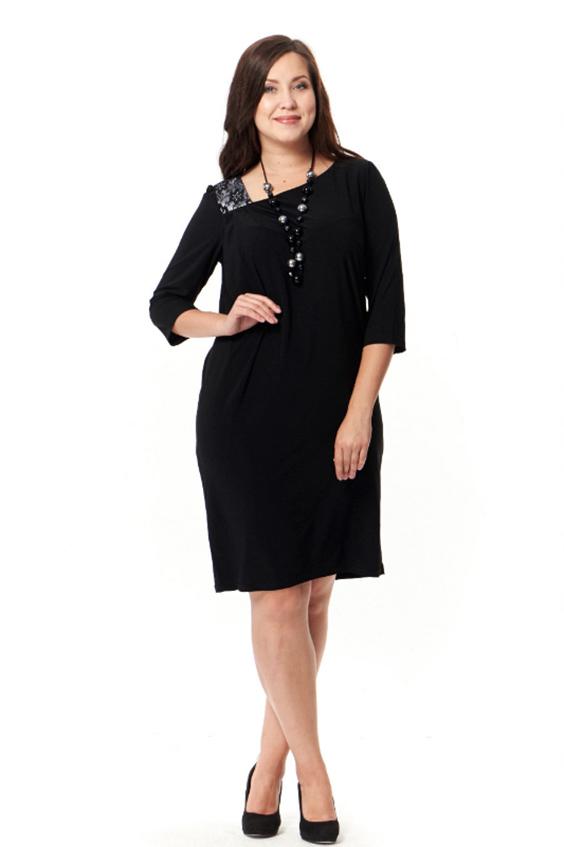 ПлатьеПлатья<br>Великолепное платье с асимметричной горловиной и рукавами 3/4. Модель выполнена из приятного трикотажа. Отличный выбор для повседневного и делового гардероба.  Цвет: черный  Рост девушки-фотомодели 172 см<br><br>Горловина: Фигурная горловина<br>По длине: До колена<br>По материалу: Трикотаж<br>По рисунку: Однотонные<br>По силуэту: Полуприталенные<br>По стилю: Офисный стиль,Повседневный стиль<br>По форме: Платье - футляр<br>По элементам: С карманами,С молнией<br>Рукав: До локтя<br>По сезону: Осень,Весна<br>Размер : 52,54,56,58<br>Материал: Холодное масло<br>Количество в наличии: 8