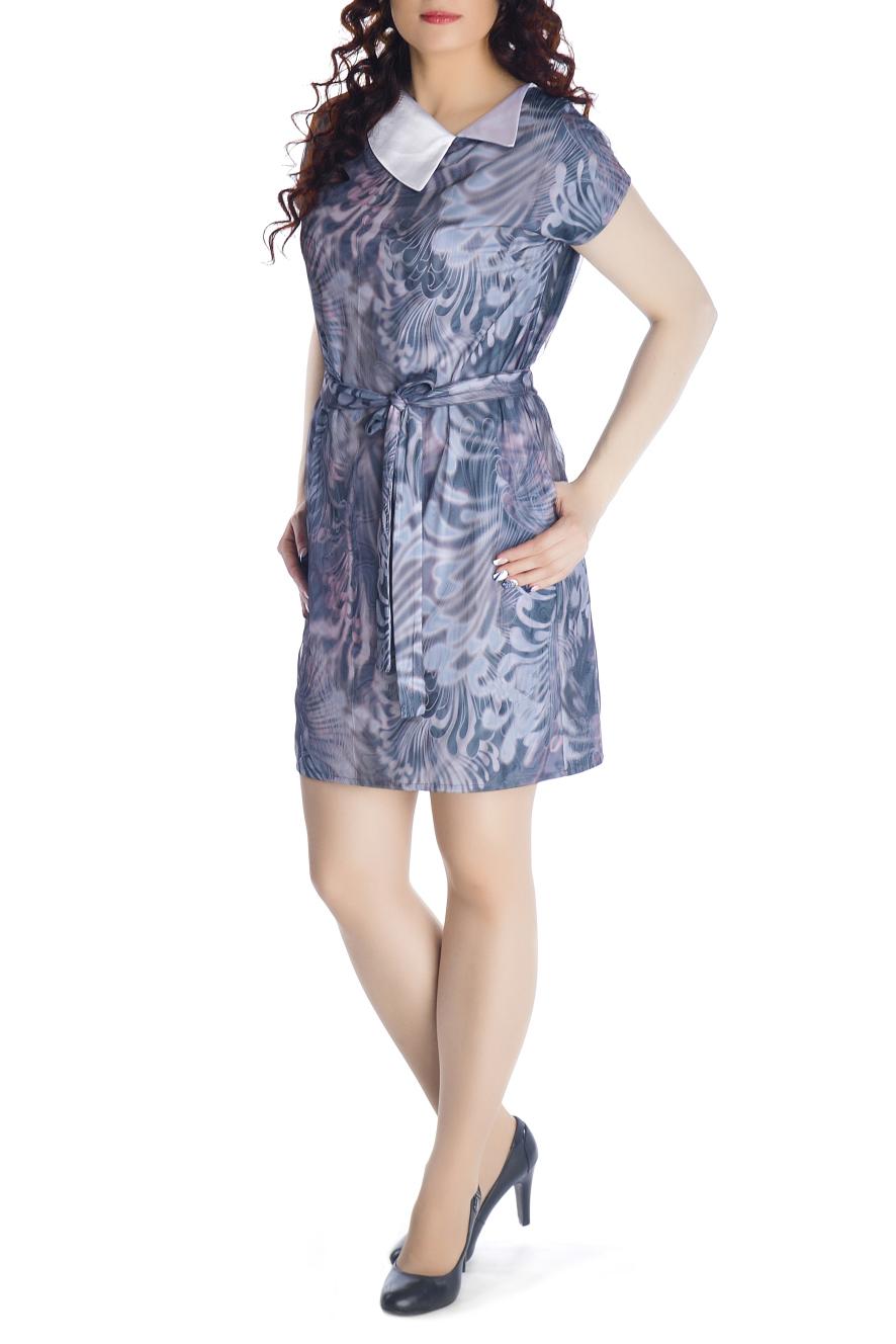 ПлатьеПлатья<br>Очаровательное платье прямого силуэта, выполнено из высококачественного вискозного трикотажного полотна с модным 3D эффектом. Платье двухслойное, состоит из вискозной ткани и сетки, с точностью, повторяющей рисунок нижней ткани. При движении сетка колеблется, за счет чего и возникает эффект объемности и глубины принта. Платье прямого силуэта с цельнокроеным рукавом и карманами в боковых швах. Отлетной воротник выполнен из декоративной ткани. Удачно подобранная ткань не мнется, не деформируется при стирке, а значит это платье прослужит вам не один сезон. Красочное, обращающее на себя внимание платье с эффектом 3D обязательно должно быть в гардеробе каждой модницы.  Платье без пояса.  Длина изделия 90-95 см.  В изделии использованы цвета: сиреневый, голубой и др.  Рост девушки-фотомодели 170 см<br><br>Воротник: Отложной<br>По длине: До колена<br>По материалу: Гипюровая сетка,Трикотаж<br>По рисунку: Абстракция,С принтом,Цветные<br>По силуэту: Полуприталенные<br>По стилю: Повседневный стиль<br>По форме: Платье - футляр<br>По элементам: С карманами<br>Рукав: Короткий рукав<br>По сезону: Лето<br>Размер : 44,46,48,50,52<br>Материал: Холодное масло + Гипюровая сетка<br>Количество в наличии: 5