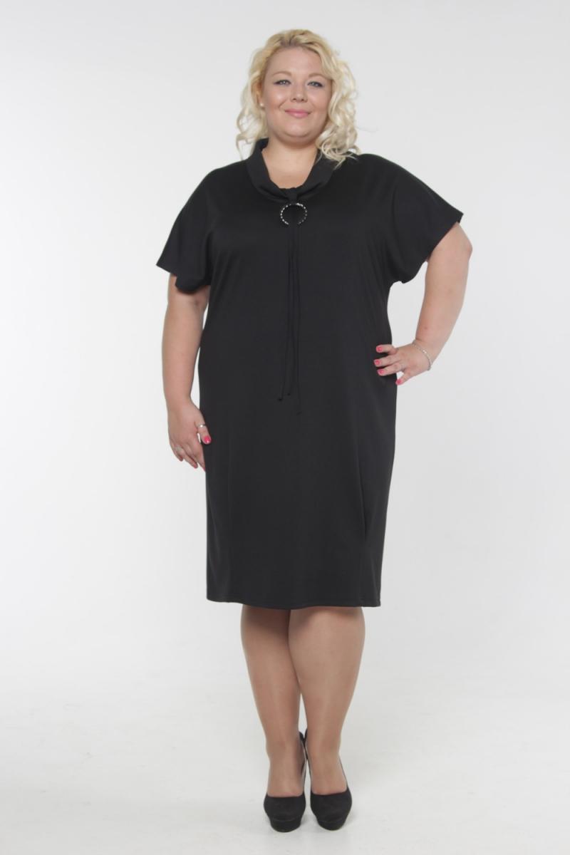 ПлатьеПлатья<br>Красивое платье с интересной горловиной и короткими рукавами. Модель выполнена из приятного трикотажа. Отличный выбор для повседневного гардероба.  Длина изделия в 64 размере - 110 см.  Цвет: черный  Рост девушки-фотомодели 180 см<br><br>По образу: Свидание,Город<br>По стилю: Офисный стиль,Повседневный стиль<br>По материалу: Вискоза,Трикотаж<br>По рисунку: Однотонные<br>По сезону: Весна,Осень<br>По силуэту: Полуприталенные<br>По элементам: С декором<br>По форме: Платье - футляр<br>По длине: Ниже колена<br>Воротник: Хомут<br>Рукав: Короткий рукав<br>Размер: 54,56,58,60,62,64<br>Материал: 65% вискоза 35% полиэстер<br>Количество в наличии: 7