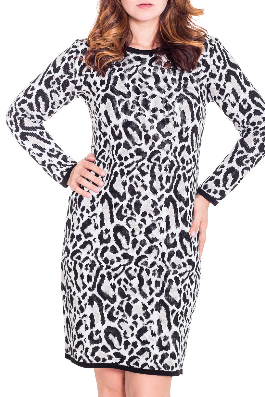 ПлатьеПлатья<br>Женское платье с длинными рукавами из вязанного трикотажа. Вязаный трикотаж - это красота, тепло и комфорт. В вязаных вещах очень легко оставаться женственной и в то же время не замёрзнуть.  Цвет: черный, белый  Рост девушки-фотомодели 180 см<br><br>Горловина: С- горловина<br>По длине: До колена<br>По материалу: Вязаные,Трикотаж<br>По рисунку: Леопард,Цветные<br>По силуэту: Полуприталенные<br>По стилю: Повседневный стиль<br>По форме: Платье - футляр<br>Рукав: Длинный рукав<br>По сезону: Зима<br>Размер : 46,48<br>Материал: Вязаное полотно<br>Количество в наличии: 2