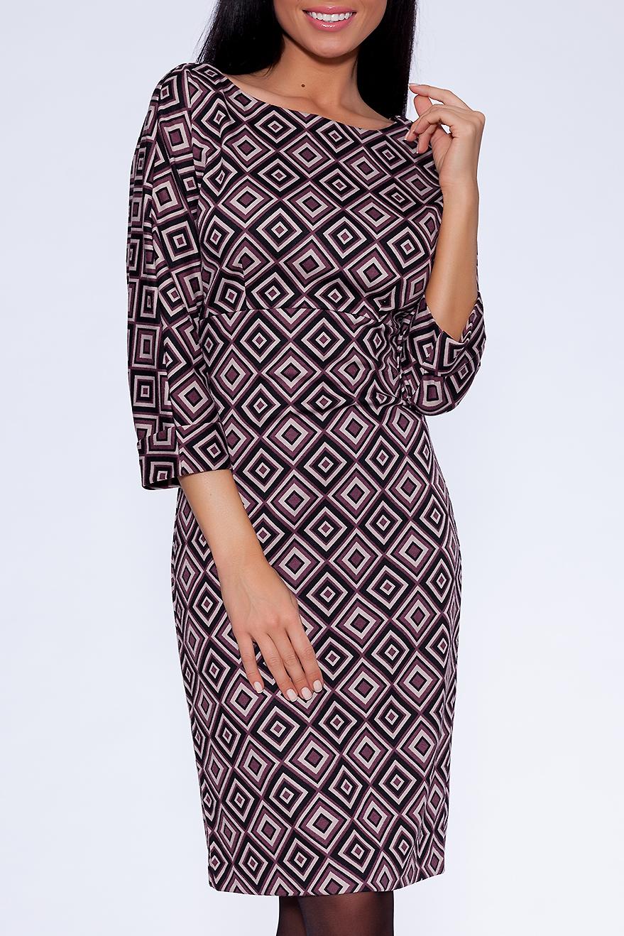 ПлатьеПлатья<br>Молодежное женское платье приталенного силуэта, застежка расположена сзади по середине шва на потайную тесьму молнию. Великолепный офисный и повседневный вариант, благодаря прекрасной расцветке ткани, её составу и отличной посадке. Элегантный внешний вид не только украшает платье, но и выделяет его из массы других вариантов, делая его ещё больше привлекательным для покупательниц. Прекрасно сочетается с классическими жакетами.   В изделии использованы цвета: бежевый, коричневый  Ростовка изделия 170 см.  Параметры размеров: 40 размер - обхват груди 84 см., обхват талии 62 см., обхват бедер 88 см. 42 размер - обхват груди 88 см., обхват талии 66 см., обхват бедер 92 см. 44 размер - обхват груди 92 см., обхват талии 70 см., обхват бедер 96 см. 46 размер - обхват груди 96 см., обхват талии 74 см., обхват бедер 100 см. 48 размер - обхват груди 100 см., обхват талии 78 см., обхват бедер 104 см. 50 размер - обхват груди 104 см., обхват талии 82 см., обхват бедер 108 см. 52 размер - обхват груди 108 см., обхват талии 86 см., обхват бедер 112 см. 54 размер - обхват груди 112 см., обхват талии 90 см., обхват бедер 116 см. 56 размер - обхват груди 116 см., обхват талии 94 см., обхват бедер 120 см. 58 размер - обхват груди 120 см., обхват талии 100 см., обхват бедер 126 см. 60 размер - обхват груди 124 см., обхват талии 105 см., обхват бедер 131 см. 62 размер - обхват груди 128 см., обхват талии 110 см., обхват бедер 136 см. 64 размер - обхват груди 132 см., обхват талии 115 см., обхват бедер 141 см. 66 размер - обхват груди 136 см., обхват талии 120 см., обхват бедер 146 см.<br><br>По длине: Ниже колена<br>По материалу: Вискоза,Трикотаж<br>По рисунку: Цветные,С принтом<br>По силуэту: Полуприталенные<br>По стилю: Повседневный стиль,Кэжуал<br>По форме: Платье - футляр<br>Рукав: Рукав три четверти<br>По сезону: Осень,Весна,Зима<br>Горловина: Лодочка<br>Размер : 44,48,52<br>Материал: Трикотаж<br>Количество в наличии: 3