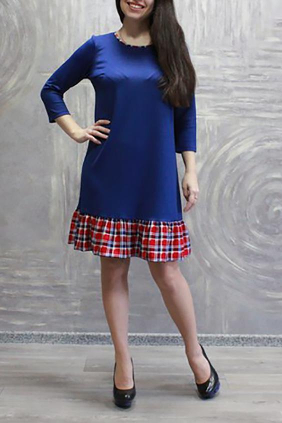 ПлатьеПлатья<br>Великолепное платье трапециевидной формы. Модель выполнена из плотного трикотажа с отделкой из цветного материала. Отличный выбор для любого случая.  Цвет: синий, красный, желтый  Ростовка изделия 170 см<br><br>Горловина: С- горловина<br>По длине: До колена<br>По материалу: Трикотаж<br>По рисунку: Однотонные,С принтом<br>По силуэту: Свободные<br>По стилю: Повседневный стиль<br>По форме: Платье - трапеция<br>По элементам: С воланами и рюшами<br>Рукав: Рукав три четверти<br>По сезону: Осень,Весна,Зима<br>Размер : 44,54,56<br>Материал: Джерси<br>Количество в наличии: 3