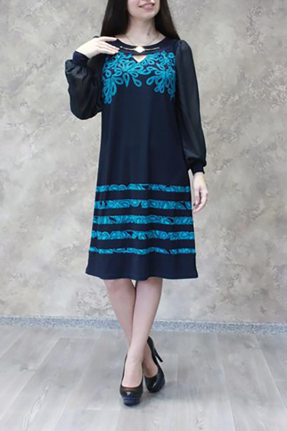 ПлатьеПлатья<br>Женское платье с круглой горловиной, декоративной капелькой и длинными рукавами фонарик. Модель выполнена из приятного трикотажа с воздушным шифоном. Отличный выбор для любого торжества.  Цвет: синий, голубой  Ростовка изделия 170 см.<br><br>По образу: Свидание,Город<br>По стилю: Повседневный стиль<br>По материалу: Трикотаж,Шифон<br>По рисунку: С принтом,Цветные<br>По сезону: Лето,Осень,Весна,Всесезон,Зима<br>По силуэту: Свободные<br>По элементам: С декором,С манжетами<br>По форме: Платье - трапеция<br>По длине: Ниже колена<br>Рукав: Длинный рукав<br>Горловина: С- горловина<br>Размер: 44,46,48,50,52,54,56,58<br>Материал: 60% полиэстер 35% вискоза 5% эластан<br>Количество в наличии: 17
