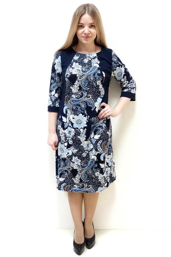 ПлатьеПлатья<br>Эффектное платье с круглой горловиной и рукавами 3/4. Модель выполнена из приятного трикотажа. Отличный выбор для повседневного гардероба.  Цвет: синий, голубой, белый  Рост девушки-фотомодели 162 см<br><br>Горловина: С- горловина<br>По длине: Ниже колена<br>По материалу: Трикотаж<br>По образу: Город,Свидание<br>По рисунку: С принтом,Цветные,Этнические,Растительные мотивы,Цветочные<br>По силуэту: Полуприталенные<br>По стилю: Повседневный стиль<br>По форме: Платье - футляр<br>По сезону: Осень,Весна<br>По элементам: С манжетами<br>Рукав: Рукав три четверти<br>Размер : 52,54,56,58,60,62<br>Материал: Джерси<br>Количество в наличии: 1