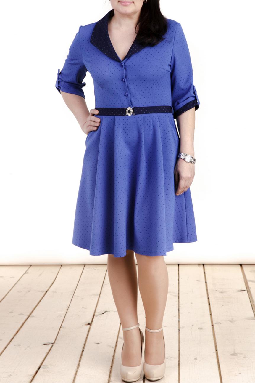 ПлатьеПлатья<br>Прекрасное платье с V-образным вырезом, отложным воротником и рукавами до локтя. Модель выполнена из приятной платьельной ткани. Отличный выбор для повседневного и делового гардероба. Платье без пояса.  Цвет: синий, черный  Длина изделия: 44 размер - 91 см 46 размер - 92 см 48 размер - 93 см 50 размер - 94 см 52 размер - 95 см 54 размер - 96 см  Длина рукава 41 см   Рост девушки-фотомодели 165 см<br><br>Воротник: Отложной<br>Горловина: V- горловина<br>По длине: До колена<br>По материалу: Вискоза,Костюмные ткани,Тканевые<br>По образу: Город,Свидание<br>По рисунку: В горошек,С принтом,Цветные<br>По силуэту: Полуприталенные<br>По стилю: Повседневный стиль<br>По форме: Платье - трапеция<br>По элементам: С декором,С отделочной фурнитурой,С патами,С пуговицами<br>Рукав: Рукав три четверти<br>По сезону: Осень,Весна,Зима<br>Размер : 46,50,52,54<br>Материал: Костюмно-плательная ткань<br>Количество в наличии: 4