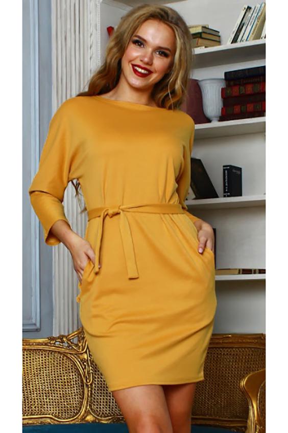 ПлатьеПлатья<br>Платье из плотного трикотажа прилегающего силуэта. с цельнокроенным рукавом 3/4 и внутренними боковыми карманами; вырез лодочка. Очаровательное платье для любого типа фигуры. Так много стильных комбинаций сразу рождается в голове, ведь его можно носить и как тунику  Длина изделия от 87 см до 93 см, в зависимости от размера.  Цвет: желтый  Рост девушки-фотомодели 167 см.<br><br>Горловина: С- горловина<br>По длине: До колена<br>По материалу: Трикотаж<br>По образу: Город,Свидание<br>По рисунку: Однотонные<br>По силуэту: Полуприталенные<br>По стилю: Повседневный стиль<br>По форме: Платье - футляр<br>По элементам: С карманами<br>Рукав: Рукав три четверти<br>По сезону: Осень,Весна<br>Размер : 50<br>Материал: Джерси<br>Количество в наличии: 1