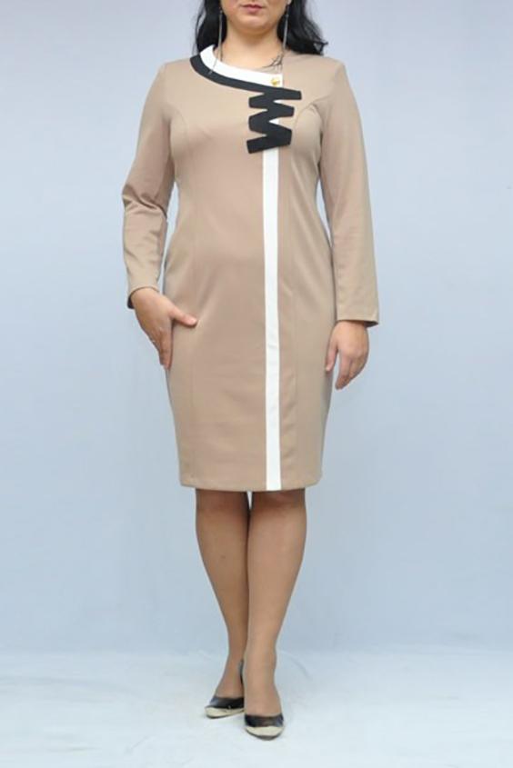 ПлатьеПлатья<br>Красивое платье с круглой горловиной и длинными рукавами. Модель выполнена из плотного трикотажа. Отличный выбор для повседневного гардероба. В изделии использованы цвета: бежевый, белый, черный  Рост девушки-фотомодели 176 см.<br><br>Горловина: С- горловина<br>По длине: До колена<br>По материалу: Вискоза,Трикотаж<br>По рисунку: Цветные<br>По сезону: Осень,Зима<br>По силуэту: Приталенные<br>По стилю: Повседневный стиль<br>По форме: Платье - футляр<br>Рукав: Длинный рукав<br>Размер : 52-54<br>Материал: Трикотаж<br>Количество в наличии: 1