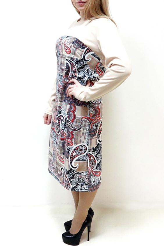 ПлатьеПлатья<br>Эффектное женское платье полуприталенного силуэта. Отличный вариант для любого случая. Рукав длинный.  Цвет: бежевый, черный, коралловый, коричневый   Рост девушки-фотомодели 162 см<br><br>По образу: Свидание,Город<br>По стилю: Повседневный стиль<br>По материалу: Вискоза,Трикотаж<br>По рисунку: С принтом,Цветные,Этнические<br>По сезону: Весна,Осень<br>По силуэту: Полуприталенные<br>По форме: Платье - футляр<br>По длине: Ниже колена<br>Рукав: Длинный рукав<br>Горловина: С- горловина<br>Размер: 52,54,56,58,60,62<br>Материал: 65% вискоза 30% полиэстер 5% эластан<br>Количество в наличии: 12