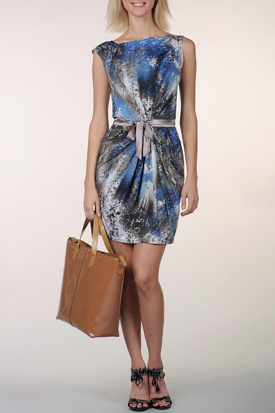 ПлатьеПлатья<br>Элегантное женское платье с горловиной лодочка, без рукавов. Модель выполнена из приятного трикотажа. Отличный вариант для повседневного гардероба.  Цвет: серый, голубой, белый<br><br>Горловина: Лодочка<br>По материалу: Трикотаж<br>По рисунку: Цветные,С принтом<br>По стилю: Повседневный стиль<br>По форме: Платье - футляр<br>Рукав: Без рукавов<br>По сезону: Лето<br>По длине: До колена<br>По элементам: Со складками<br>По силуэту: Полуприталенные<br>Размер : 40,42,44,46<br>Материал: Холодное масло<br>Количество в наличии: 4