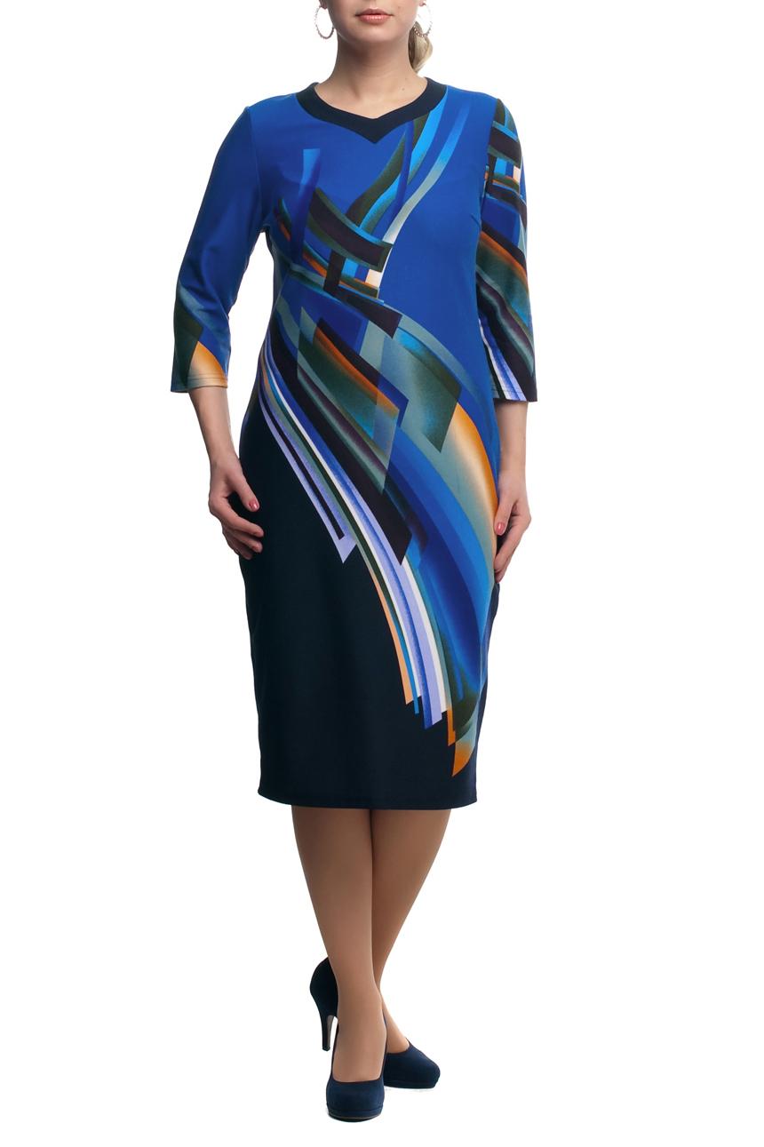 ПлатьеПлатья<br>Яркое платье с фигурной горловиной и рукавами 3/4. Модель выполнена из приятного трикотажа. Отличный выбор для повседневного гардероба.  В изделии использованы цвета: синий и др.  Рост девушки-фотомодели 173 см<br><br>Горловина: Фигурная горловина<br>По длине: Ниже колена<br>По материалу: Трикотаж<br>По рисунку: С принтом,Цветные<br>По силуэту: Полуприталенные<br>По стилю: Повседневный стиль<br>По форме: Платье - футляр<br>Рукав: Рукав три четверти<br>По сезону: Осень,Весна,Зима<br>Размер : 60<br>Материал: Трикотаж<br>Количество в наличии: 1