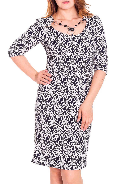 ПлатьеПлатья<br>Красивое женское платье с фигурной горловиной и рукавами 3/4. Модель выполнена из приятного трикотажа. Отличный выбор для повседневного гардероба.  Цвет: черный, белый  Рост девушки-фотомодели 180 см.<br><br>Горловина: Фигурная горловина<br>По длине: До колена<br>По материалу: Вискоза,Трикотаж<br>По рисунку: Растительные мотивы,Цветные,Цветочные<br>По силуэту: Полуприталенные<br>По стилю: Повседневный стиль<br>По форме: Платье - футляр<br>Рукав: До локтя,Рукав три четверти<br>По сезону: Осень,Весна,Зима<br>Размер : 48,50<br>Материал: Трикотаж<br>Количество в наличии: 3