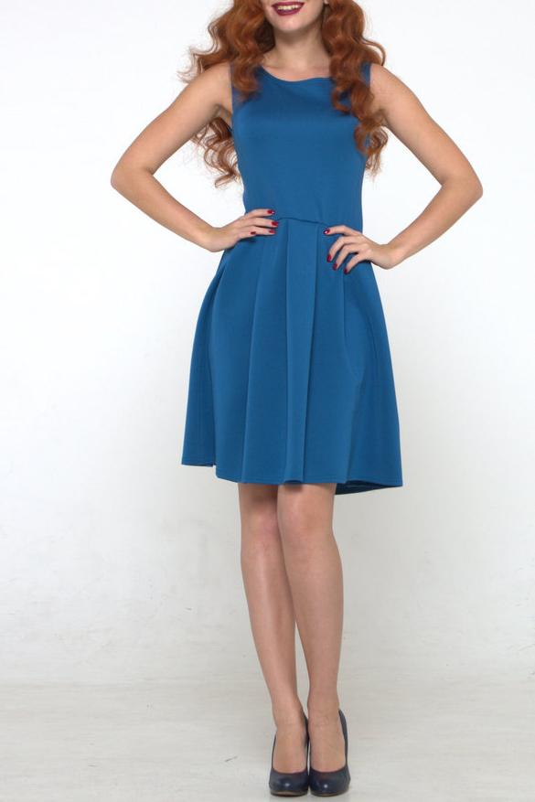 ПлатьеПлатья<br>Платье из плотного трикотажного полотна с эластаном прилегающего силуэта, отрезное по линии талии. Полочка и спинка с рельефами, юбка со складками.  Длина изделия от 91 см до 97 см, в зависимости от размера.  В изделии использованы цвета: синий  Рост девушки-фотомодели 175 см.<br><br>Горловина: С- горловина<br>По длине: До колена<br>По материалу: Тканевые<br>По рисунку: Однотонные<br>По силуэту: Приталенные<br>По стилю: Классический стиль,Кэжуал,Офисный стиль,Повседневный стиль<br>По форме: Платье - трапеция<br>По элементам: Со складками<br>Рукав: Без рукавов<br>По сезону: Осень,Весна<br>Размер : 46,48<br>Материал: Плательная ткань<br>Количество в наличии: 2