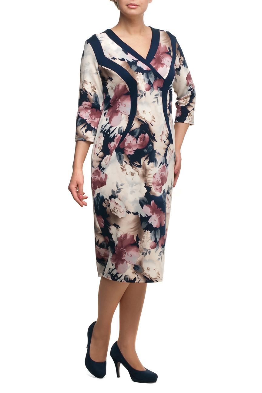 ПлатьеПлатья<br>Роскошное платье с V-образной горловиной и рукавами 3/4. Модель выполнена из приятного трикотажа. Отличный выбор для повседневного гардероба.  В изделии использованы цвета: молочный, синий, розовый и др.  Рост девушки-фотомодели 173 см<br><br>Горловина: V- горловина<br>По длине: Ниже колена<br>По материалу: Трикотаж<br>По рисунку: Растительные мотивы,С принтом,Цветные,Цветочные<br>По силуэту: Полуприталенные<br>По стилю: Повседневный стиль,Романтический стиль<br>По форме: Платье - футляр<br>Рукав: Рукав три четверти<br>По сезону: Осень,Весна,Зима<br>Размер : 48,52,62<br>Материал: Трикотаж<br>Количество в наличии: 3
