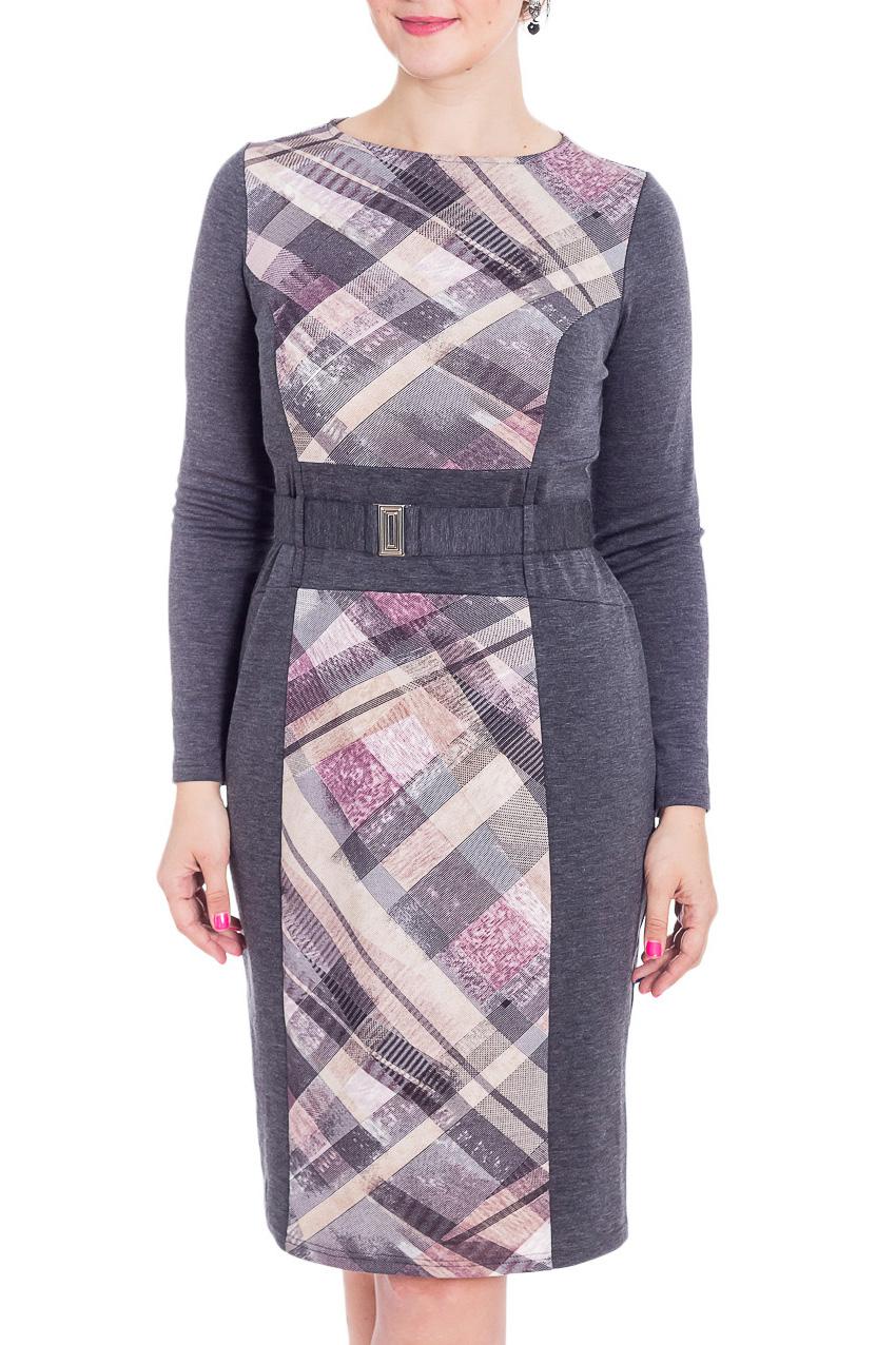 ПлатьеПлатья<br>Великолепное платье приталенного силуэта. Модель выполнена из приятного трикотажа. Отличный выбор для повседневного гардероба. Платье без пояса.  В изделии использованы цвета: серый, белый, бежевый, розовый и др.  Рост девушки-фотомодели 180 см<br><br>Горловина: С- горловина<br>По длине: Ниже колена<br>По материалу: Трикотаж<br>По рисунку: С принтом,Цветные<br>По силуэту: Приталенные<br>По стилю: Повседневный стиль<br>По форме: Платье - футляр<br>По элементам: С разрезом<br>Рукав: Длинный рукав<br>По сезону: Осень,Зима<br>Размер : 46,50,52,54,56<br>Материал: Трикотаж<br>Количество в наличии: 5