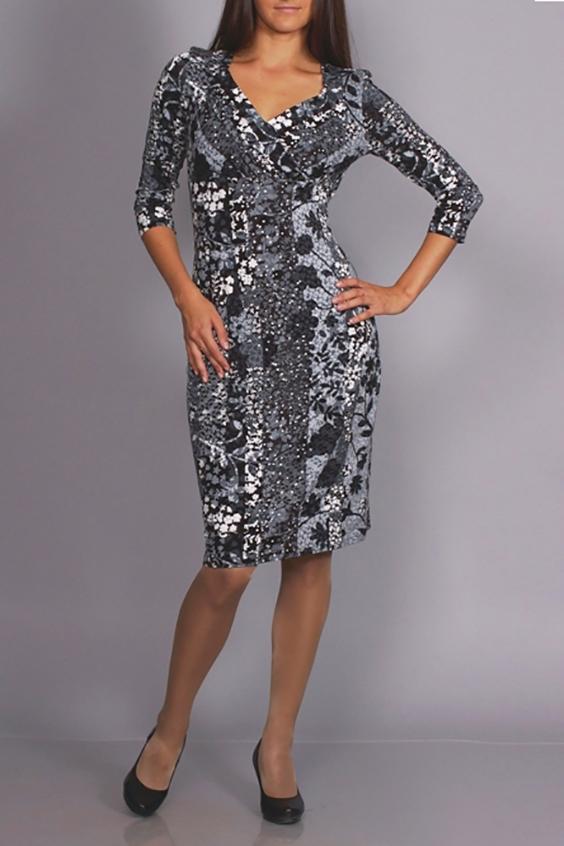 ПлатьеПлатья<br>Цветное платье с фигурной горловиной и рукавами 3/4. Модель выполнена из приятного материала. Отличный выбор для повседневного гардероба. Платье без пояса.  В изделии использованы цвета: серый, белый  Ростовка изделия 170 см.<br><br>Горловина: Фигурная горловина<br>По длине: До колена<br>По материалу: Трикотаж<br>По рисунку: Растительные мотивы,С принтом,Цветные,Цветочные<br>По силуэту: Приталенные<br>По стилю: Повседневный стиль<br>По форме: Платье - футляр<br>Рукав: Рукав три четверти<br>По сезону: Осень,Весна<br>Размер : 44,46<br>Материал: Трикотаж<br>Количество в наличии: 2