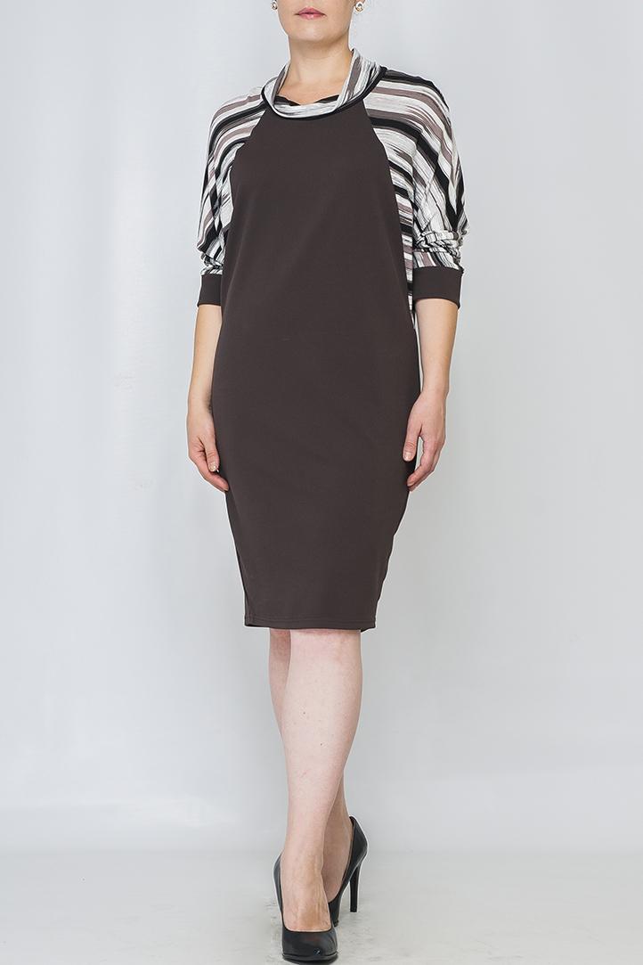 ПлатьеПлатья<br>Платье женское трикотажное. Прямого свободного кроя, длиной чуть ниже колена. Рукав реглан, летучая мышь из контрастной отделочной ткани, длина 3/4, по низу оформлен манжетой из основной ткани. Воротник-хомут, из отделочной ткани.  Параметры изделия:  48 размер: обхват бедер - 102 см, длина рукава - 47 см, длина изделия - 97 см;  52 размер: обхват бедер - 110 см, длина рукава - 47,4 см, длина изделия - 99 см.  Цвет: коричневый, белый<br><br>Воротник: Хомут<br>По длине: Ниже колена<br>По материалу: Трикотаж<br>По рисунку: В полоску,Цветные,С принтом<br>По силуэту: Свободные<br>По стилю: Повседневный стиль<br>Рукав: Рукав три четверти<br>По сезону: Осень,Весна,Зима<br>По элементам: С манжетами<br>Размер : 50,56<br>Материал: Трикотаж<br>Количество в наличии: 2
