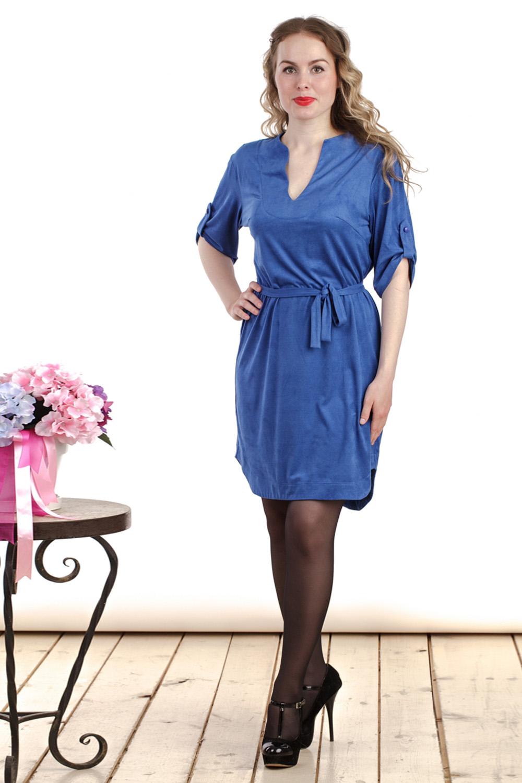 ПлатьеПлатья<br>Интересное платье полуприталенного силуэта. Модель выполнена из трикотажной замши. Отличный выбор для повседневного гардероба. Платье без пояса.  Цвет: синий  Длина изделия: 44 размер - 91 см 46 размер - 92 см 48 размер - 93см 50 размер - 94 см 52 размер - 95 см 54 размер - 96 см 56 размер - 97 см 58 размер - 98 см  Рост девушки-фотомодели 161 см<br><br>Горловина: V- горловина,Фигурная горловина<br>По длине: До колена<br>По материалу: Вискоза,Замша,Трикотаж<br>По рисунку: Однотонные<br>По силуэту: Полуприталенные<br>По стилю: Повседневный стиль<br>По форме: Платье - футляр<br>По элементам: С патами<br>Рукав: До локтя<br>По сезону: Осень,Весна,Зима<br>Размер : 46,48,50<br>Материал: Искусственная замша<br>Количество в наличии: 3